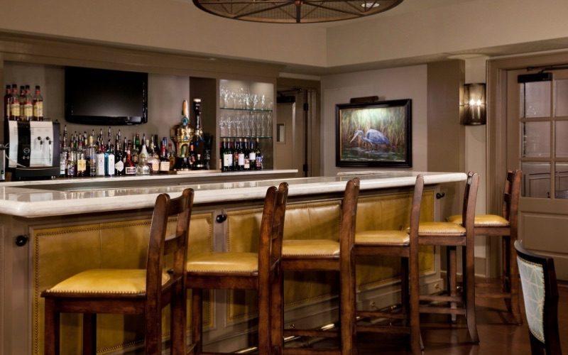 BREW Pub & Café