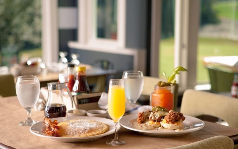 Breakfast, Lunch & Dinner Options On-Site